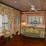 Corona suite