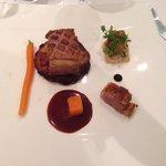 Magret de canard et tartine gourmande au foie gras poele