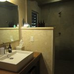 Large bathroom with modern fixtures and all natural products provided