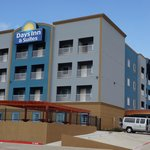 Photo de Days Inn & Suites Galveston West/Seawall