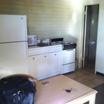 Full kitchen - great for fersh produce from local markets!