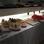 desayuno variedad de frutas frescas