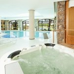 Piscina climatizada in-out y jacuzzi, Real Sp.
