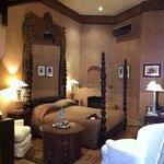 Guepard suite bedroom.