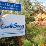 Welcome to EarthSong Lodge!