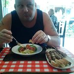 Photo de Pattayanis Greek Taverna