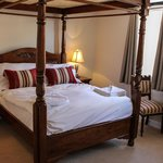 Four poster ensuite bedroom