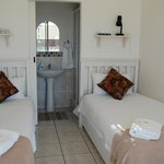 Unit 5 Self-catering. Twin beds