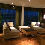 Lounge King Presidential Suite