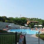 La reale piscina dell'hotel :piuttosto piccola ma pulitisisma