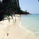 Strand 15 min zu Fuß (über eine sehr hügelige Straße) vom Resort entfernt