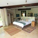 Very spacious main bedroom en-suite - main lodge
