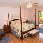 Powder Springs Queen Sunset Room