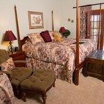 Raspberry Springs King Sunset Room