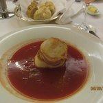 Томатный суп с гребешками