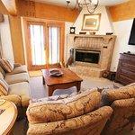 2-bedroom luxury suite Living Room
