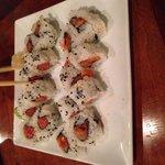 Spicy scallop and tuna rolls
