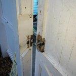Porte extérieure cassée ( pas de sécurité )