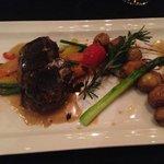 Filet de bœuf sauce fois gras , copeaux de truffe :)
