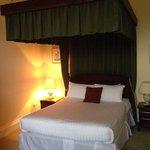 Lady suite bed