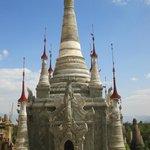 zicht Indein pagodes