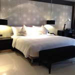 Grande Deluxe Room (Room 5303) / King Bed and Desk