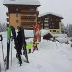 La pista accanto all'Hotel Carlo Magno dove i miei figli aspettavano il maestro di sci.