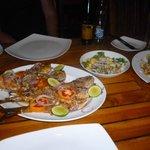 Ужин. Рыбу купили на рынке, Приготовили в ресторане.