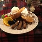Breakfast at Crystal Cove Bed & Breakfast