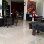 Lobby avec un Coffee shop et pâtisseries