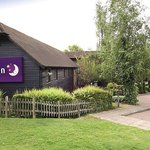 Photo de Premier Inn Tonbridge Hotel