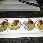 4 fresh oysters