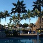 Vista a la playa, enfrente del hotel