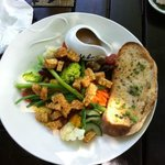 Signature salad with tempeh