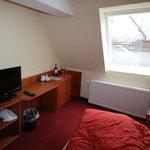 Suite 408