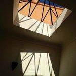 luz en la antasala de la habitacion