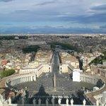 Vista su Piazza S Pietro dal cupolone