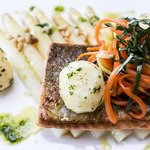 Salmon with white asparagus