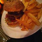 Jamaican burger :  super bon  épicé juste comme il faut : excellent