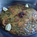 Paella valenciana mui buena y mui sabrosa
