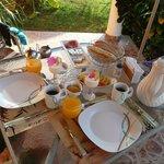 Lecker Frühstück auf unserer Terasse