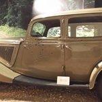 Replica of Bonnie & Clydes car
