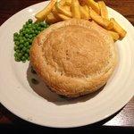 Standard soup/lid type pie.