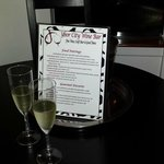 We sipped some fabulous Prosecco while choosing from the menu