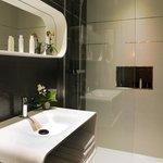 """Chambre supérieure n°301 """"Luméo"""" Salle de bain"""