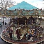 carrousel na praça do Hotel de Ville