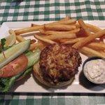Crabcake sandwich combo