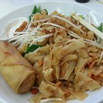Pad Thai with vegetable spring roll