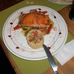 Rustica Restaurant, Puerto Natales, Chile - Salmon com ratatouille y quinua