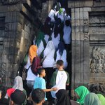 School Kids on mass at Borobudur temple